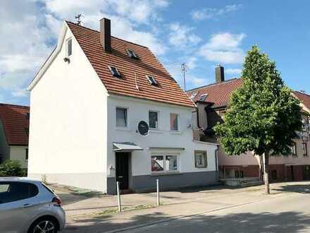 *Zweifamilienhaus in Bondorf*