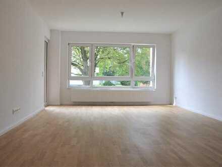 KAPITALANLAGE an der CôTE DA SÜRTH !! KOMPLETT SANIERTE 3-Zimmer-Wohnung mit BALKON und GARTEN !!