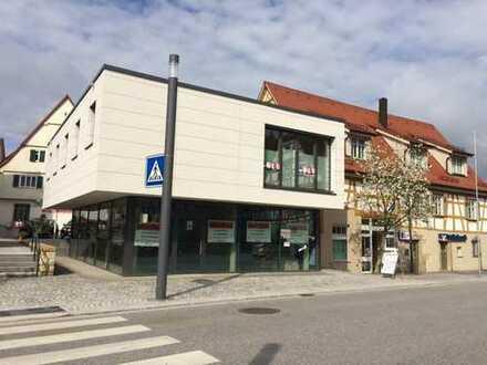Schöne helle Gewerbeeinheit in 1A-Lage Winterbachs