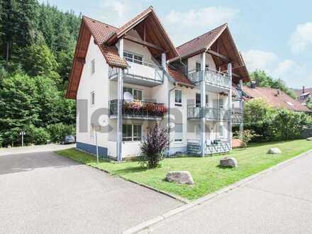 Herrliche Aussichten: Gut geschnittenes Apartment mit Balkon in ruhiger Lage im Schwarzwald