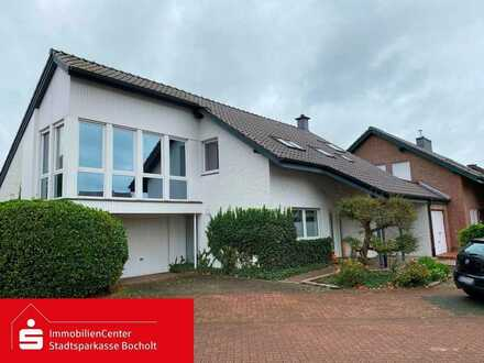 Freistehendes Einfamilienhaus mit Garten & Garage
