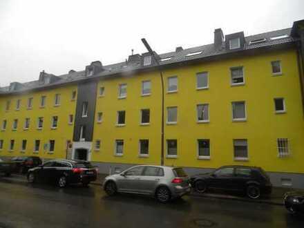 Moderne EG-Wohnung (Hochpaterre) in der südlichen City (Landgrafenstr.) mit Balkon