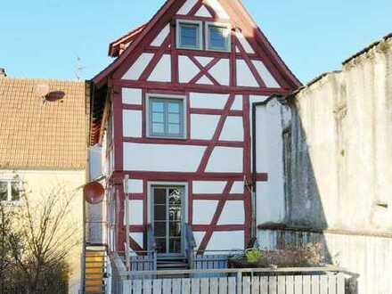Hier liegt Ihnen die Altstadt zu Füßen: Würdevolles Stadthaus – ein Wohlfühlhaus für Ihre Familie!