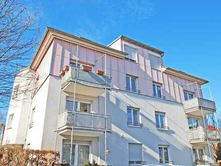 Neuwertige 2-R.-W. * 2. OG * Süd-West-Balkon * Laminat * EBK * Küche mit Fenster * PKW-Stellplatz *