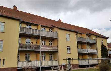 Behagliche 2-Raum Wohnung mit Balkon im 2.OG Nähe Krankenhaus zu vermieten