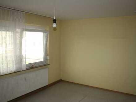 RENOVIERUNGSBEDÜRFTIG- ruhige und helle 2-Zimmer-Wohnung in Esslingen-Zell
