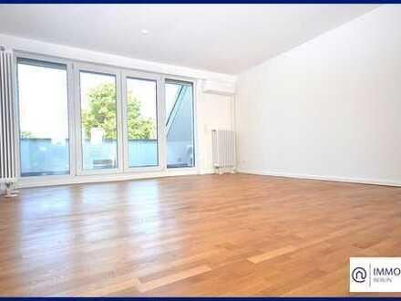 Dachgeschoss Wohnung im Grünen - 3 Zimmer Balkon-Wohnung in Westend