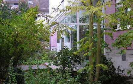 *Hier mieten Sie eine repräsentative 2-Zi.-Wohnung mit Terrasse und TG in Langen-Oberer Steinberg*