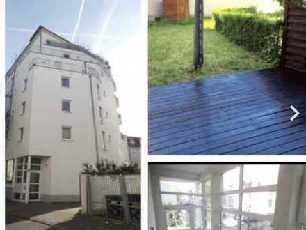 Stilvolle 3-Zimmer-Terrassenwohnung mit Balkon in Offenbach am Main
