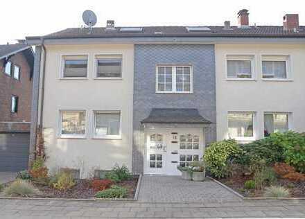 Mehrgenerationshaus/Mehrfamilienhaus mit EG-Gartenwohnung zur Eigennutzung