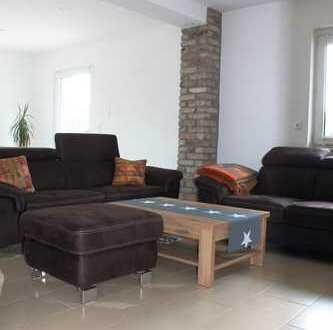 Exklusives Einfamilienhaus zum kurzfristigen Bezug / Bad, Gäste WC, große Terrasse, weitere Angebote