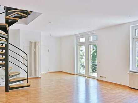 Wunderschöne, loftartige Altbauwohnung mit großer Dachterrasse in bester Weststadt-Lage