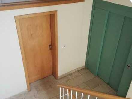 **große 4- Raum Wohnung in der Nähe des Zentrums ab sofort frei**