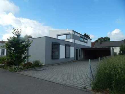 Zweifamilienhaus mit Carport in Horgau Kreis Augsburg