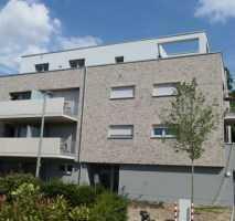 ruhige, gut geschnittene 4 Raum Neubau-Wohnung mit großem Balkon