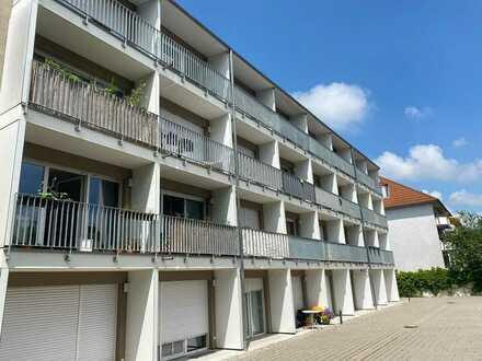 Helles 1-Zimmer Appartement mit Balkon und Einbauküche in Erlangen-Bruck