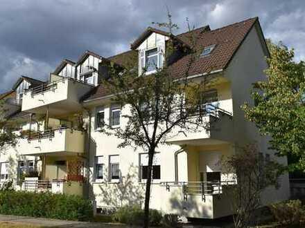 Besonders hübsche 2-Zi-DG-Wohnung mit Balkon in Schöneiche, vermietet