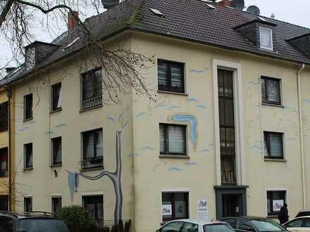 Gepflegtes Mehrfamilienhaus in Altendorf/Grenze Frohnhausen