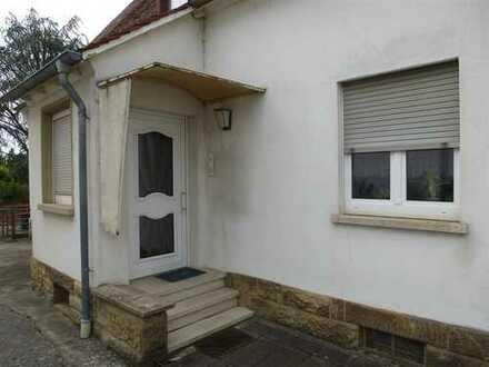 Schönes Zweifamilienhaus mit sechs Zimmern in Karlsruhe, Daxlanden