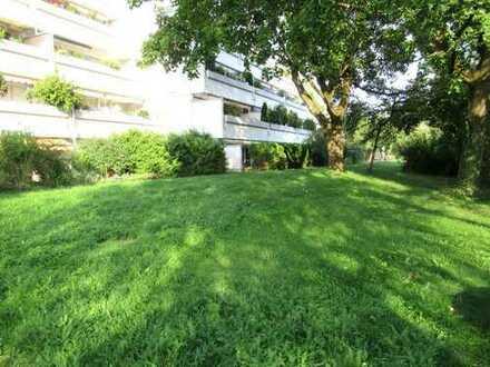 Ch.Schülke-Immobilien; Schöne 2,5-Zimmer-Wohnung mit großem Balkon und Blick ins Grüne