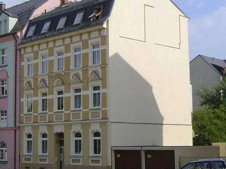 Ruhige und gepflegte 4-Zimmer-Wohnung mit Balkon und EBK in einer intakten Hausgemeinschaft