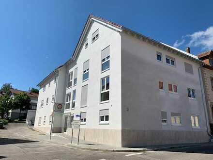 Neuwertige 5-Zimmer-Wohnung mit Balkon in Bruchsal - Helmsheim