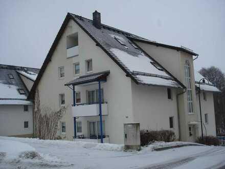 Modernisierte 1-Zimmer-DG-Wohnung mit Balkon und EBK in Stadtbergen