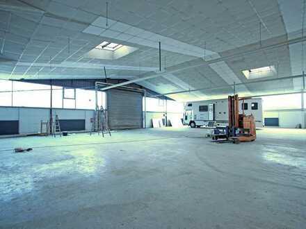 Gewerbehalle mit Büro, Außenfläche + Pausenidylle