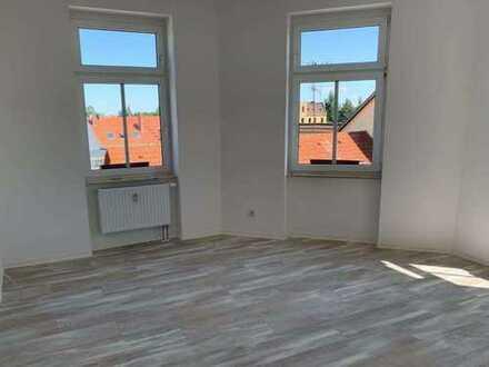 Wunderschöne, lichtdurchflutete 3-Raum-Wohnung sucht neuen Mieter für Erstbezug nach Sanierung!
