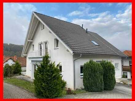 Neuwertige Doppelhaushälfte in Bestlage von Annweiler zum Mieten