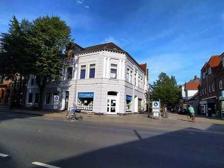 Erstbezug nach Sanierung: freundliche 1-Zimmer-Penthouse-Wohnung mit EBK und Balkon in Varel