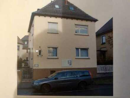 Modernisierte 2-Zimmer-Wohnung mit EBK offen zum Wohnbereich in Stuttgart Zuffenhausen