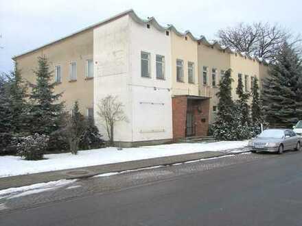 Ehemaliges Kulturhaus mit flexibler Nutzung und üppigem Platzangebot in Passow bei Schwedt ( UM )