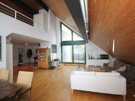 Bonn-Venusberg Nähe Uniklinik: Coole 2-Zimmer-Dachgeschoss-Wohnung mit Loggia und Garage