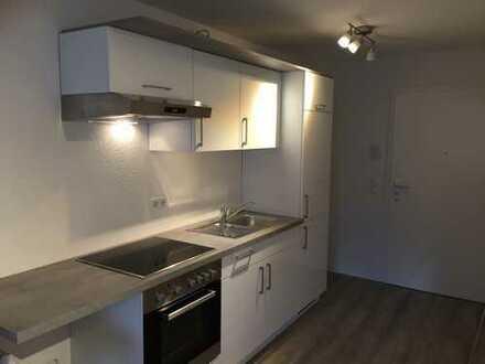 Studentenapparment: Neue 1-Zimmer-Wohnung mit Einbauküche und Balkon nahe der Reutlinger Hochschul