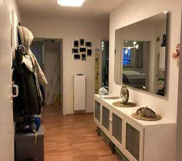 Schöne 3,5 Zimmer Wohnung mit Balkon
