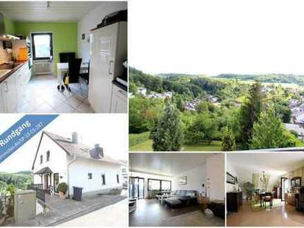 Hier können SIe in wunderschöner Landschaft wohnen! Zweifamilienhaus mit großem Garten und Fernblick