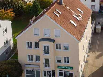 Gewerbeimmobilie - Fensterfront mit Stellplätzen - Sehr guter Zustand!