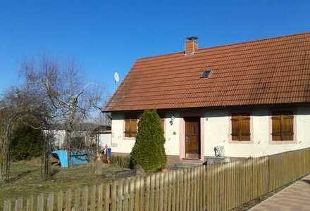 Provisionsfrei - Ehemaliges kleines Bauernhaus mit Bauplatz und Garage