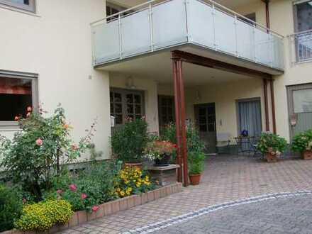 Vollmöbliertes neuwertiges Ein-Zimmer-Appartement im Grünen