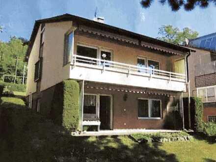Charmantes 1-/2- Familienhaus mit Garten und Garage zu vermieten