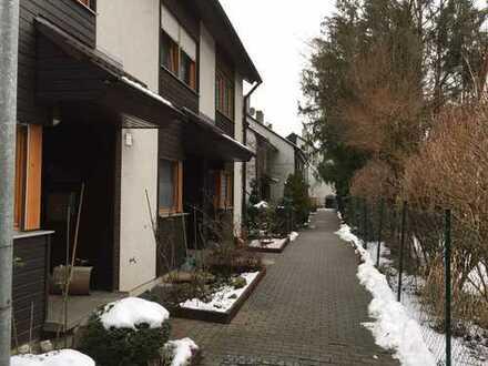 Einfamilienhaus mit Garage und Stellplatz und kleinem Garten in ruhiger Wohnlage