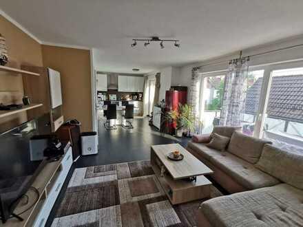 Reserviert ! Geschmackvolle Wohnung mit zwei Zimmern sowie Balkon und EBK in Fürstenfeldbruck