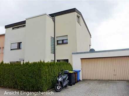 Gepflegte Souterrainwohnung mit einem Zimmer sowie Terrasse in Pforzheim-Arlinger