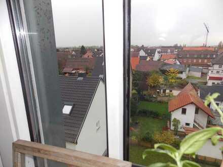 Kapitalanlage: Vermietete 1-Zimmer-Wohnung im DG, Pers.-Aufzug+Keller in Hockenheim