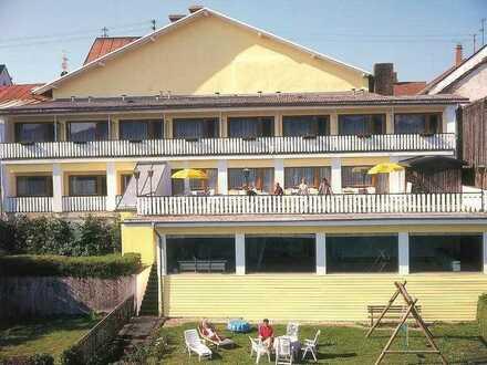 Neu renoviertes 1-Zimmerappartement mit Einbauküche und Balkon