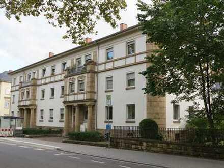 Vollständig renovierte 4,5-Zimmer-Wohnung mit Loggia in Neustadt an der Weinstraße