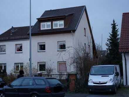 PROVISIONSFREIE ruhig gelegene Doppelhaushälfte mit 2 Wohneinheiten und großem Garten