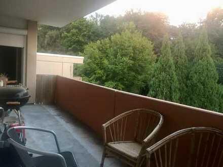 Frei zum 01.05 / großes, helles Zimmer mit Balkon in Bietigheim, IF 42