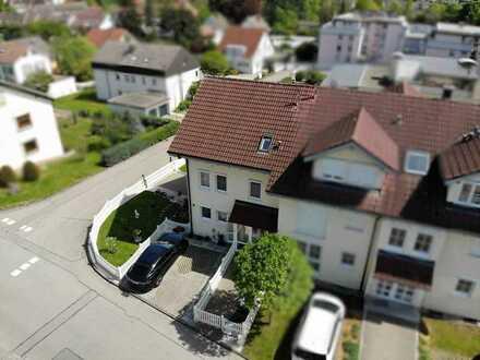 Die ganze Familie unter einem Dach ! Großzügige Doppelhaushälfte mit Garten !
